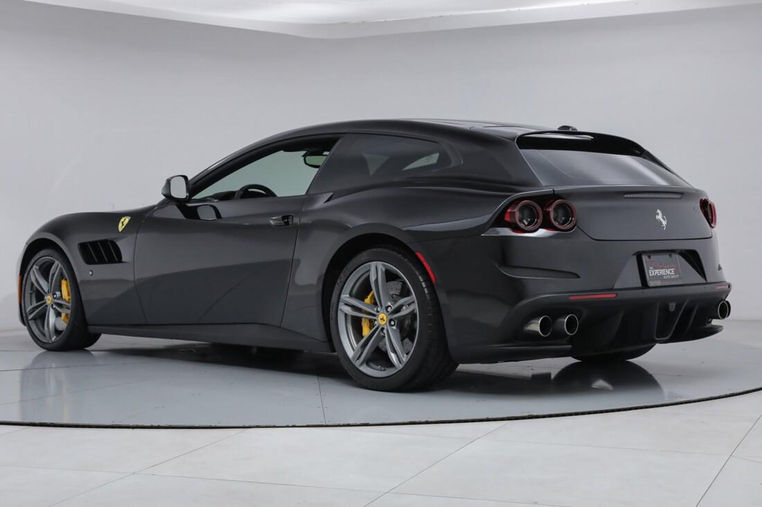2018 Ferrari GTC4Lusso image _6167d5f3c61769.76368156.jpg