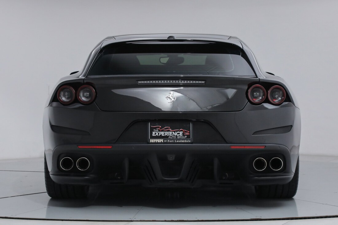 2018 Ferrari GTC4Lusso image _6167d5f483e9a6.92885067.jpg
