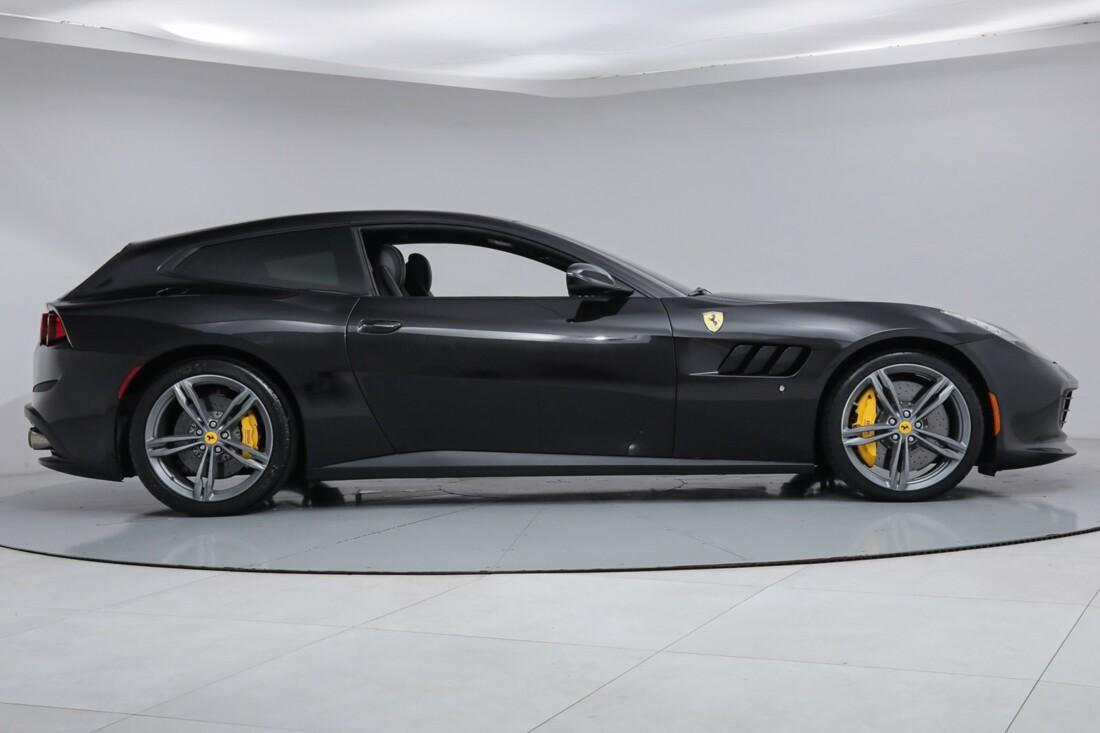 2018 Ferrari GTC4Lusso image _6167d5f6173366.14341429.jpg