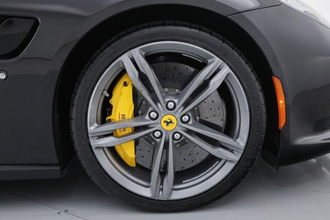 2018 Ferrari GTC4Lusso image _6167d614bec939.19693383.jpg