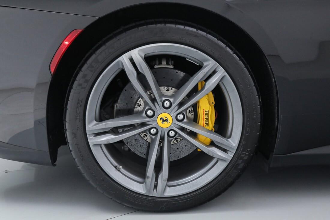 2018 Ferrari GTC4Lusso image _6167d6158af495.80648904.jpg