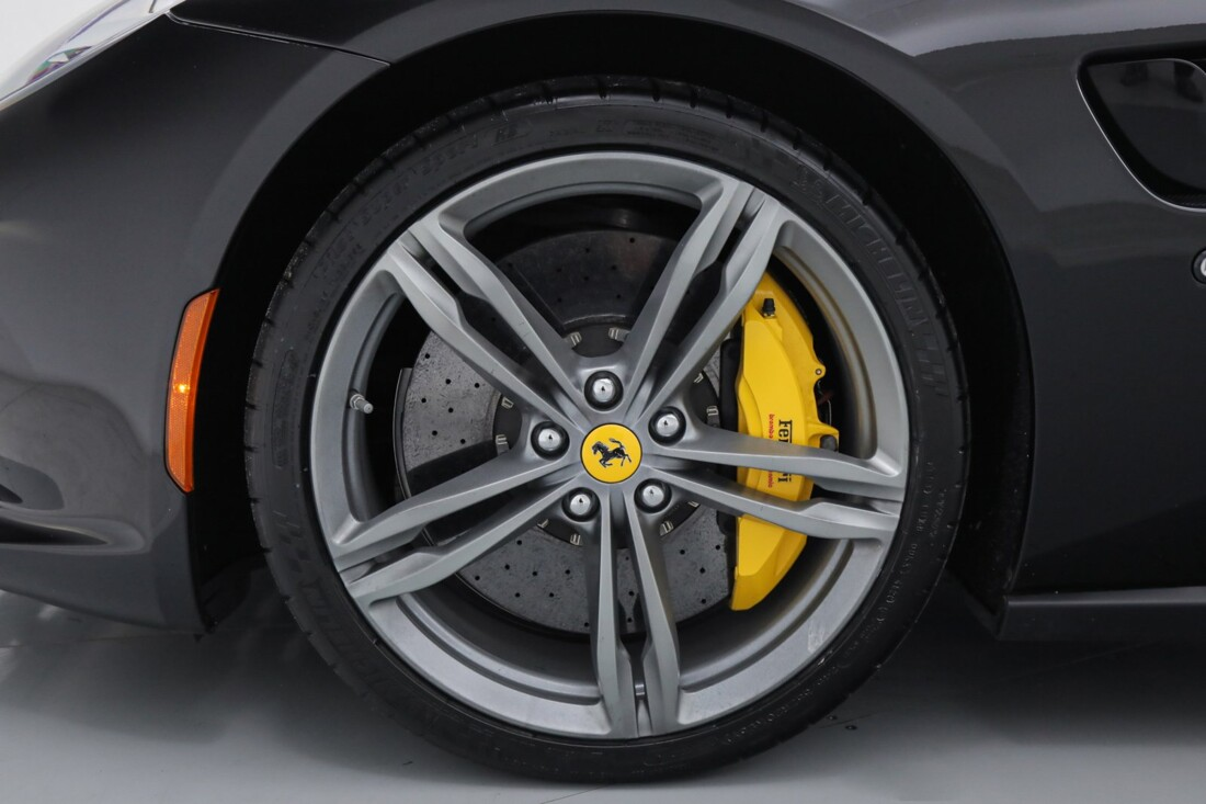 2018 Ferrari GTC4Lusso image _6167d6174dfa19.22309262.jpg