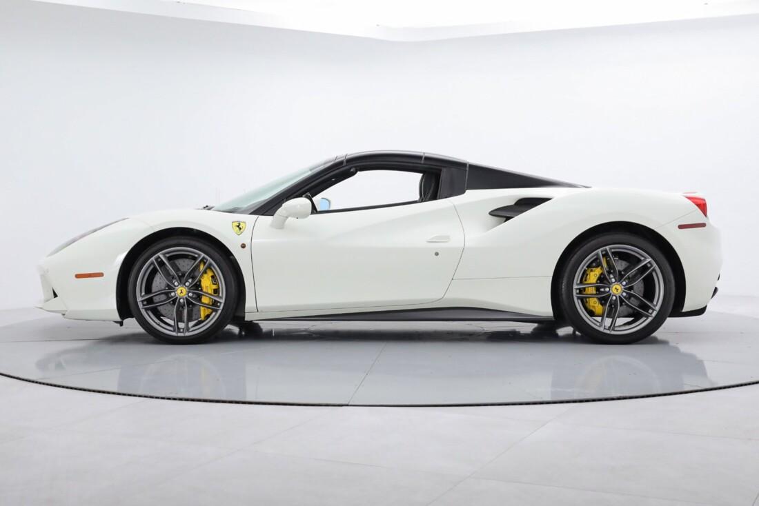 2019 Ferrari 488 Spider image _6167d66c36e506.44372589.jpg