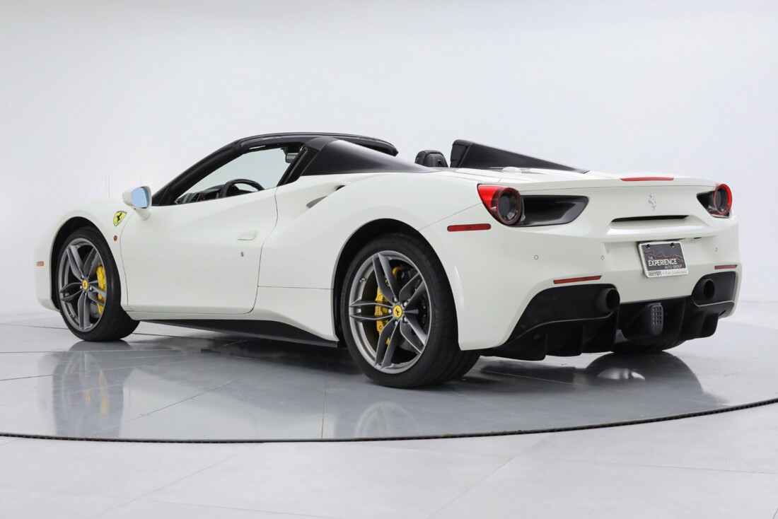 2019 Ferrari 488 Spider image _6167d6702000a4.22249323.jpg