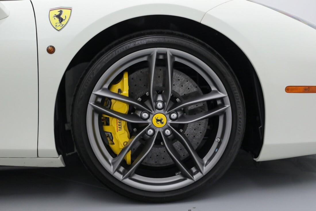 2019 Ferrari 488 Spider image _6167d69157b7b1.99318726.jpg