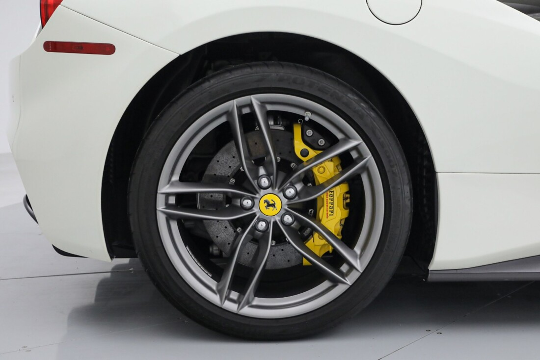 2019 Ferrari 488 Spider image _6167d69232d0f2.57627441.jpg