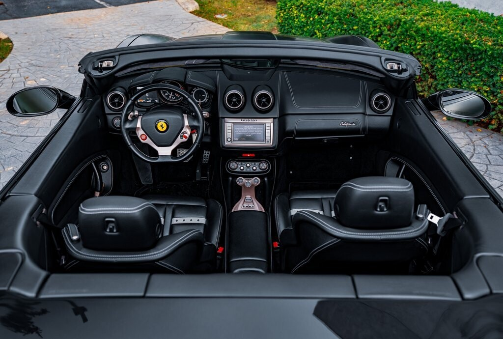 2014 Ferrari  California image _6167d6c21aa195.20718794.jpg