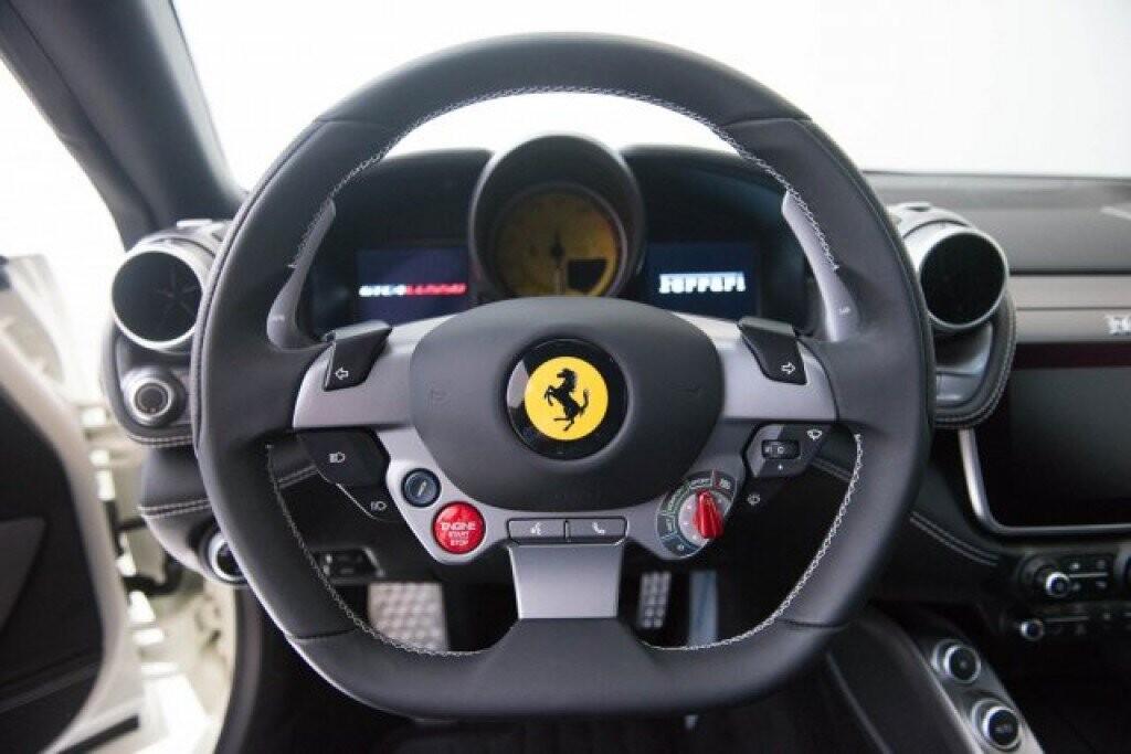 2017 Ferrari GTC4Lusso image _616927806996c6.05807927.jpg