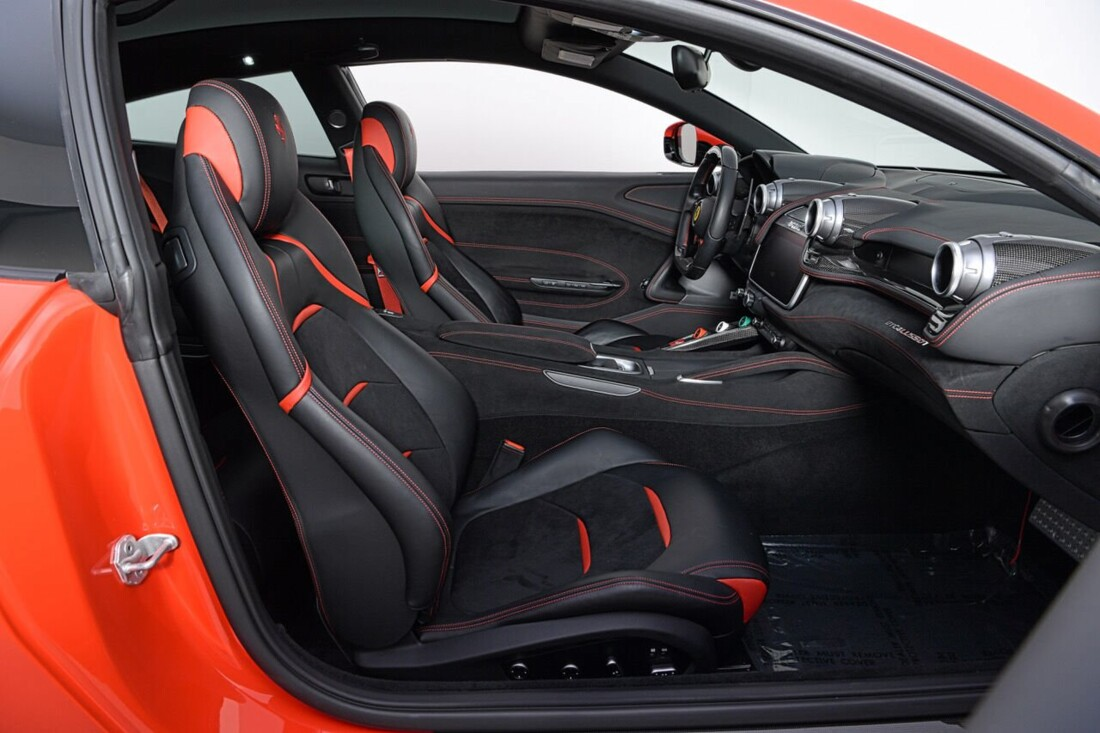 2018 Ferrari GTC4Lusso T image _6169279a3c1ba1.49205008.jpg