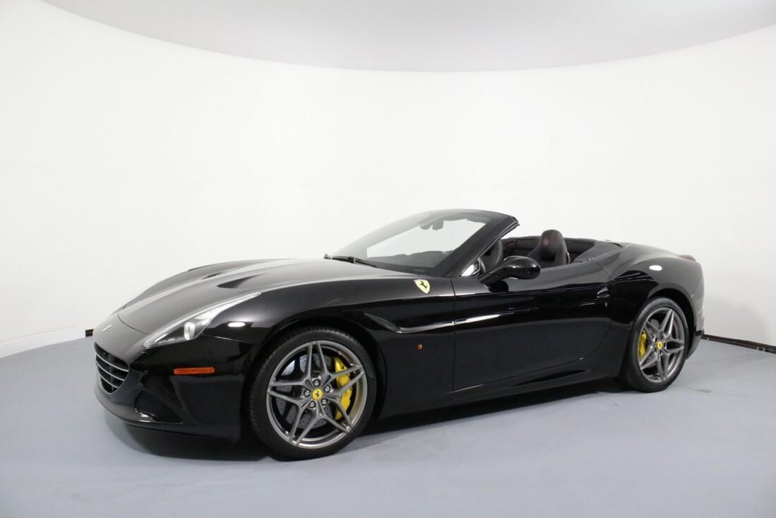2017 Ferrari  California T image _616bcb4e672a03.73770256.jpg