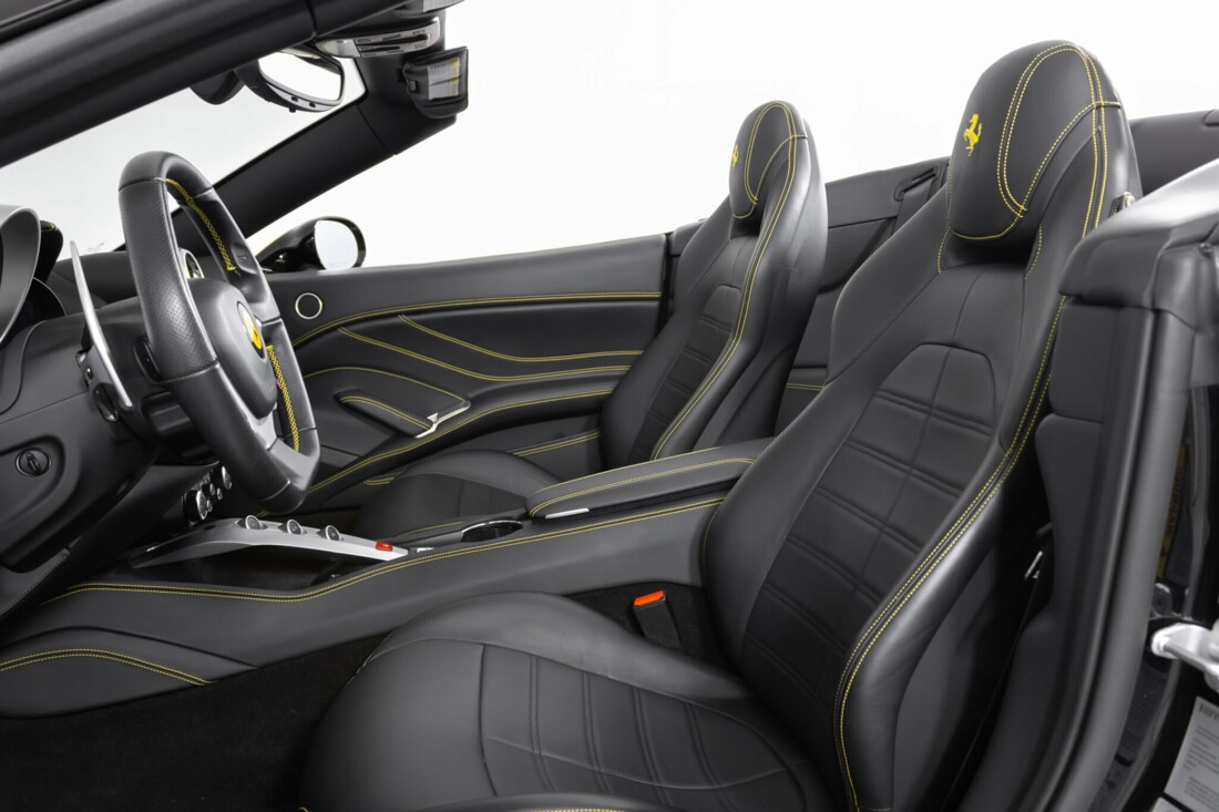 2017 Ferrari  California T image _6173b49051e5f2.14801599.jpg